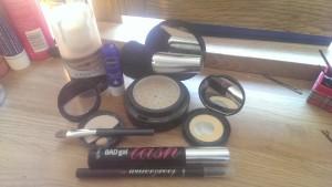 Foundation, concealer, eye colour corrector, powder, nuetral eye shadow, eye liner, mascara, lip balm.